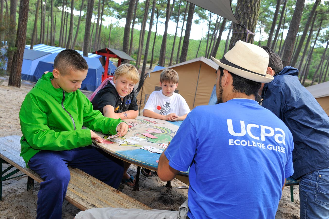UCPA camping animation estval